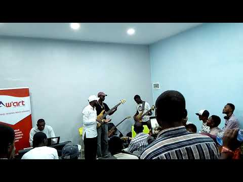 L atelier guitare bass avec Michel lumana et aw'art à kinshasa