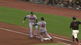 ATL@SF: Freeman recovers to beat Belt to first base