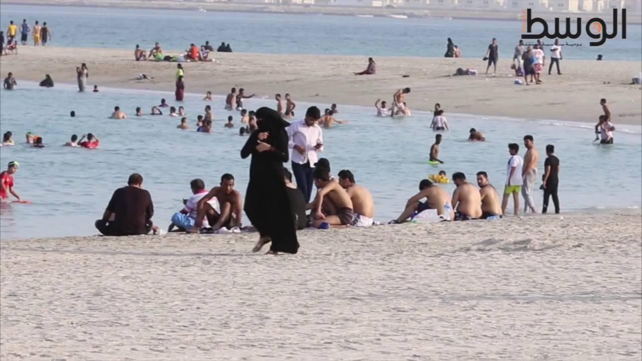 ساحل «مراسي البحرين»... ثغرة للبحر يكتظ عليها أهالي البحرين #1