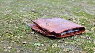 Мужчина нашел старый бумажник с запиской, но он даже представить себе не мог, к чему это приведет