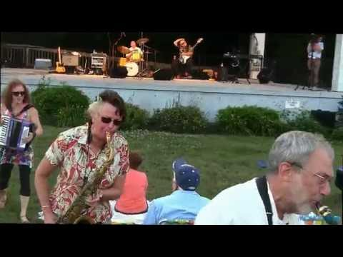 The Love Dogs Live @ Meetinghouse Park Summer Concert Series 7/12/16