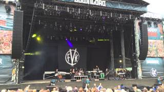 Fearless Vampire Killers - Holding Out For A Hero (Live at Download 2015)