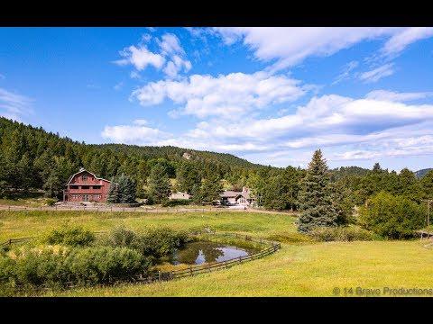 beautiful-barn-wedding-venue-in-co---the-evergreen-red-barn-in-evergreen,-colorado