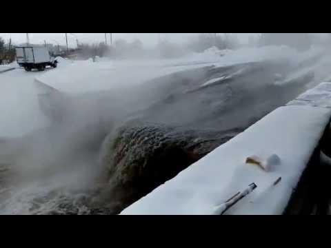 Прорыв труб Новосибирск Гусинобродское шоссе 20. 16.11.2016