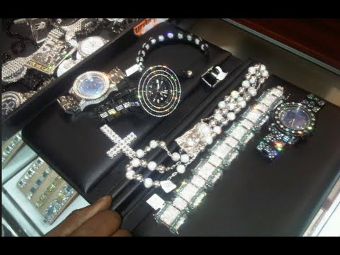 Young Thug YSL Showcase $800K Worth Of Jewelry