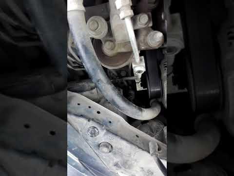 Замена лампы ближнего света Honda Civic 5d