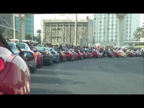 Dubai Grand Parade: Supercar Parking + On board Ferrari FF!!