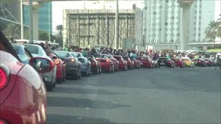 Dubai Grand Parade: Supercar Parking + On board Ferrari FF!!
