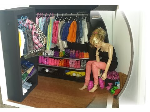 How to make a Doll Walk In Closet