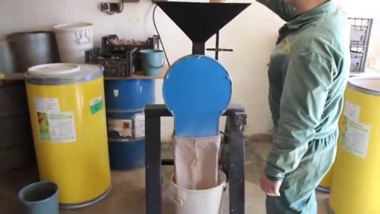 Зернодробилка видео стружкодробилка св-5