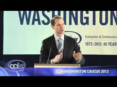 Senator Ron Wyden speaking at the CCIA 2012 Washington Caucus