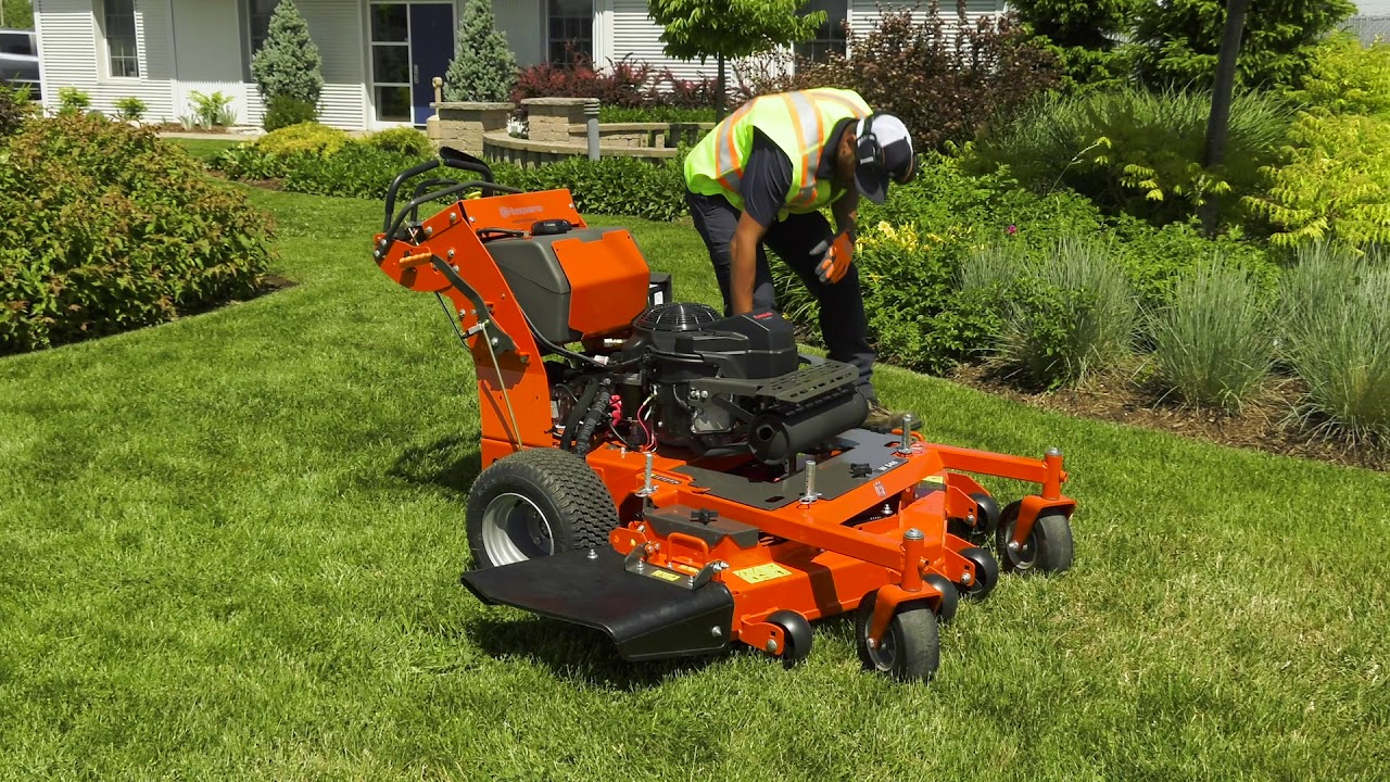 Stand Behind Lawn Mower >> How To Start Operate A Husqvarna Commercial Walk Behind Mower
