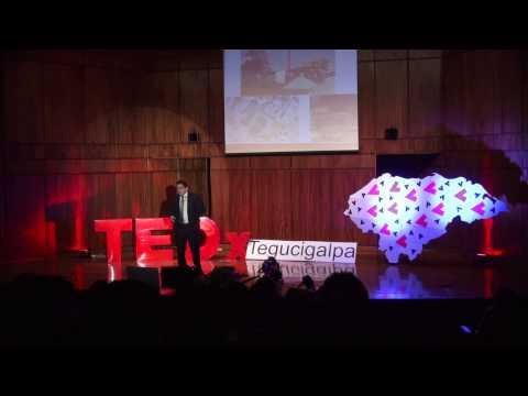 Gnikramhcneb | Carlos Fortín | TEDxTegucigalpa