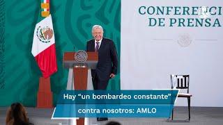 """El presidente Andrés Manuel López Obrador denunció """"un bombardeo constante"""" de los medios de comunicación en la Ciudad de México"""