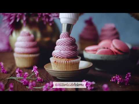 lime-cupcakes-filled-with-raspberry-jam-and-cream-cheese-frosting