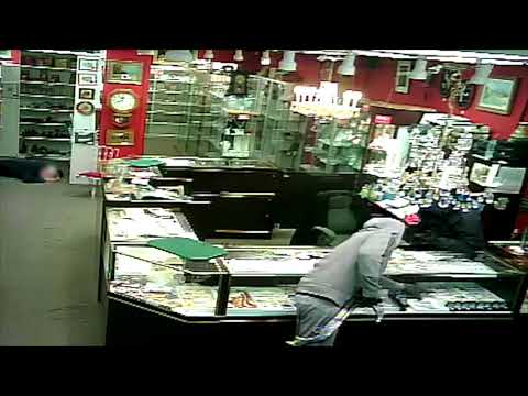 Armed robbery of Calgary antique store