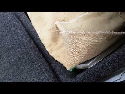 Снимаем задние сидения на Октавии А5