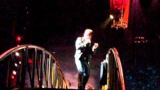 U2 Miss Sarajevo - Bono imitating Luciano Pavarotti 360 Tour in Munich 15.09.2010.mp3