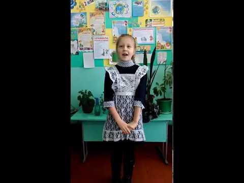 Изображение предпросмотра прочтения – КсенияМоляко читает произведение «Верните в моду доброту. Автор: Марина Базик»