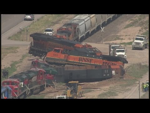 1 killed after freight trains collide in southeastern New Mexico