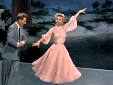 white christmas soundtrack 1954 the best things happen while youre dancing youtube - White Christmas Costumes