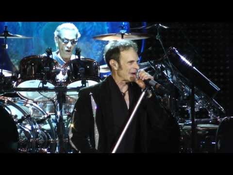 Van Halen - Drop Dead Legs/Feel Your Love Tonight (Camden.Nj) 8.27.15
