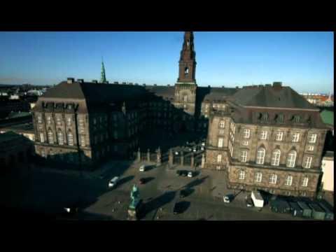Se de unikke drone-optagelser af Christiansborg og Folketingssalen - FV 2015