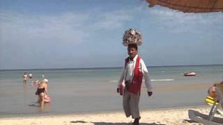 Тунис, пляж,  разносчик. #гидШадринАндрей