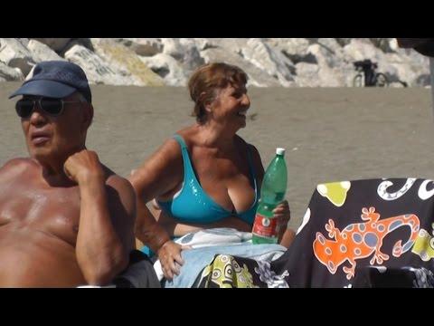 Napoli - Allarme caldo, come evitare problemi alla salute (12.07.16)