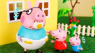 Peppa Pig Toys 🐷 Daddy pig turn into a baby! 😮👶😆