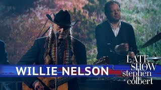 Willie Nelson Performs