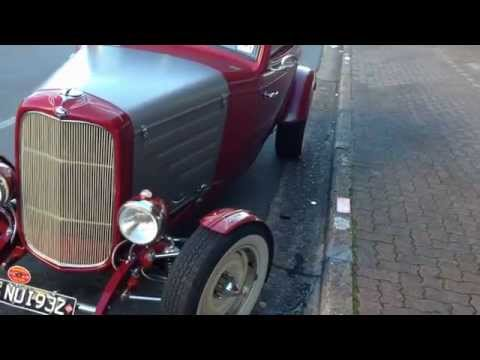 AMERICAN HOT RODS - 1932 Ford Hot Rod