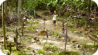 Элли находит кладбище домашних животных. Кладбище домашних животных (3/18)