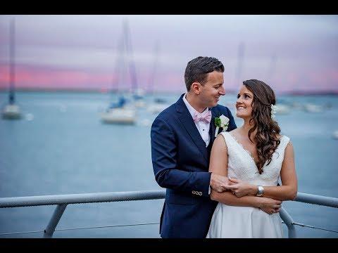 new-england-aquarium-wedding-photos-|-paige-and-joe