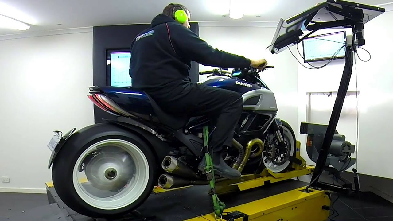 Ducati  Exhaust Removal