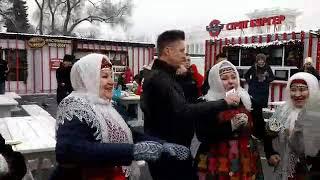 Мне снова 18 Дмитрий Нестеров и Бурановские Бабушки Масленица на Муз ТВ на катке ВВЦ