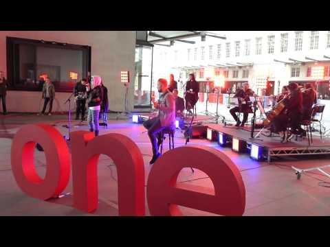 """Linger"" (Soundcheck) - The Cranberries @ ""The One Show,"" BBC Television, London 28 Apr 2017."
