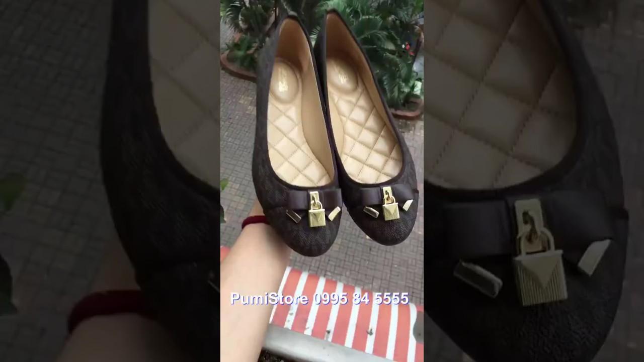 489990b5040a Review giày Michael Kors Alice Brown mini logo tại Pumi Store - YouTube