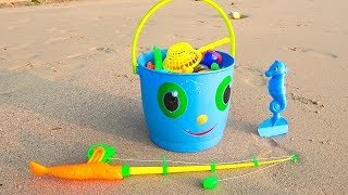 Fun plays with Colored Toys for sand