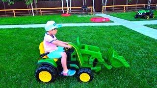 Сеня выбирает Новый Трактор. Детские истории