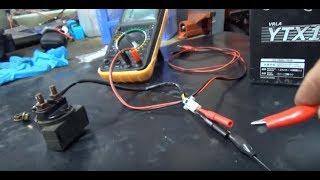 24. Cómo verificar el relé de arranque o solenoide de tu motocicleta.