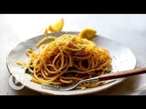 Pasta With Garlicky Bread Crumbs | Melissa Clark Recipes | The New York Times