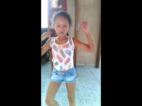 Maria clara dançando a música bang da anitta