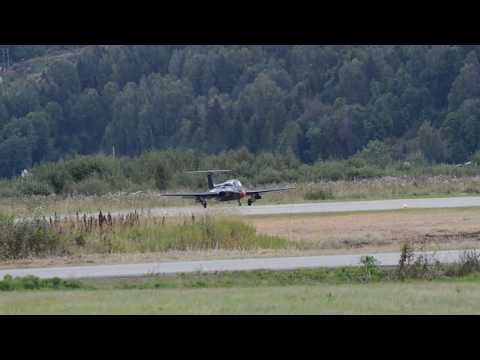 L-29 Delfin jet trainer Norwegian debut at Telemark Airshow 2017