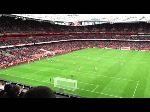 Inside the Emirates Stadium - Arsenal vs Wolfsburg - Emirates Cup 2015