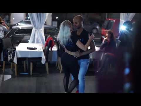 Sensual Bachata After Class Demo with Andreas & Frida from iDance