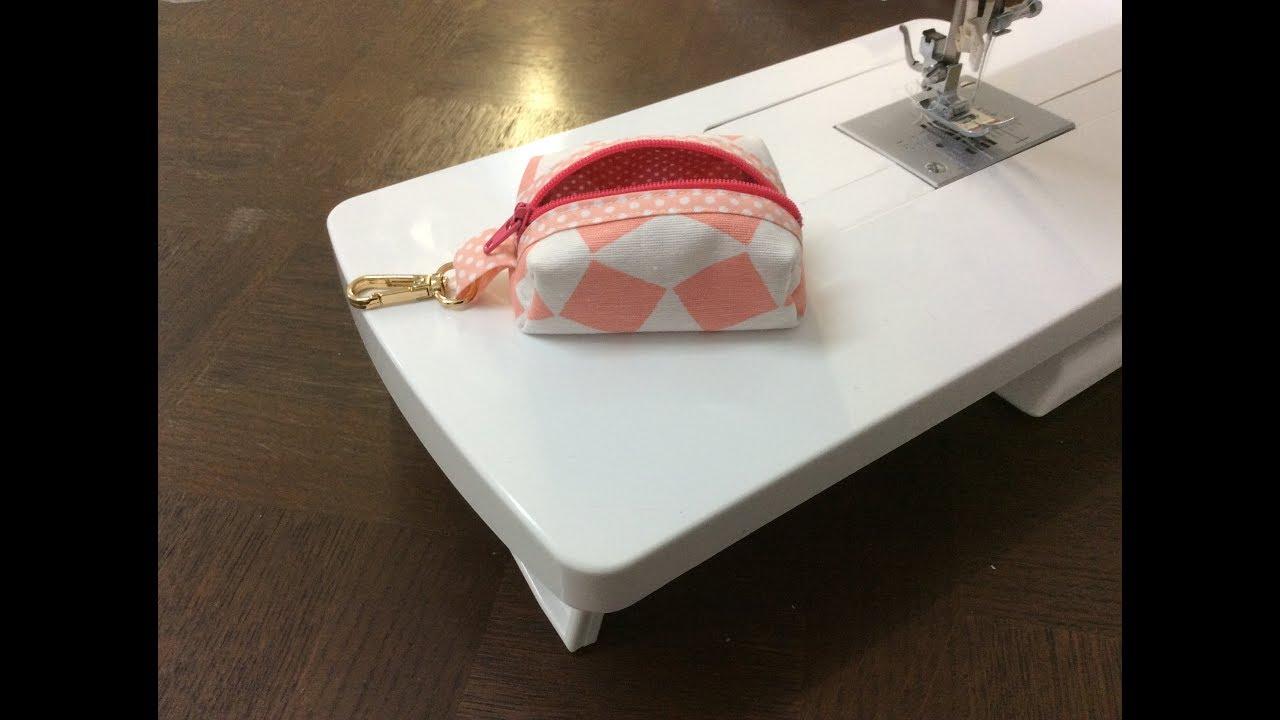 Couture madalena coudre un petit porte monnaie avec porte cl youtube - Porte monnaie en tissu ...