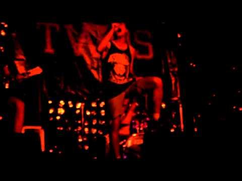 Клип Twos - The wheels of sorrow