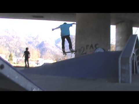 Pumped Up Skate Footy