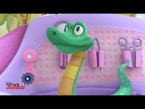 "Serpent Sam & ""Time for Your Check Up"" Song | Doc McStuffins |  Disney Junior UK"